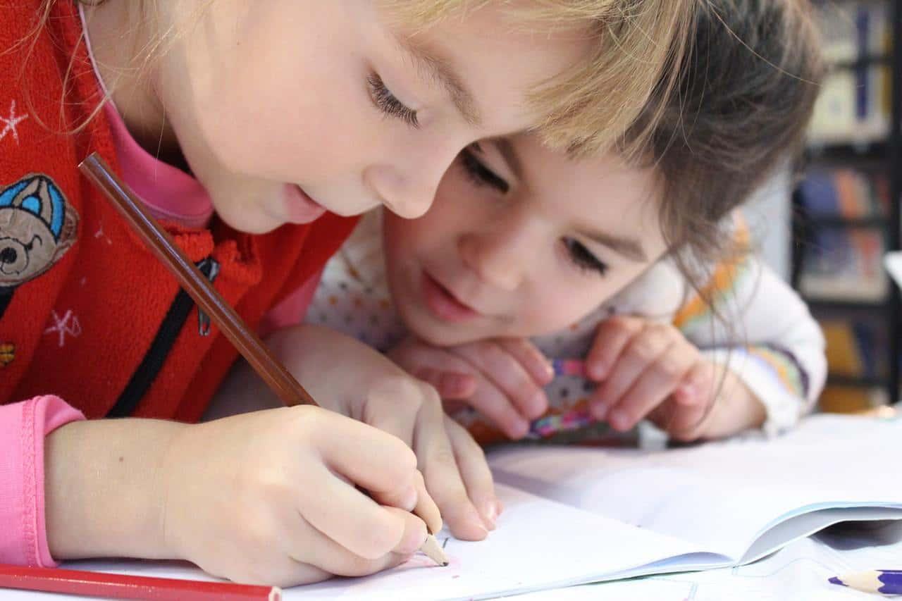 kids girl pencil drawing